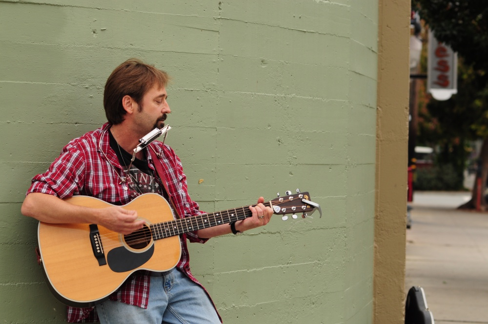Storytelling and Music Attract Wide Audience