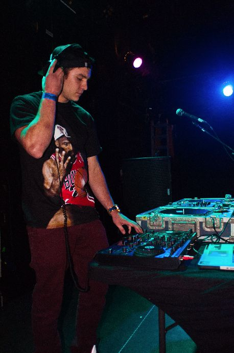 DJ Sam F performs at The Catalyst before E-40.
