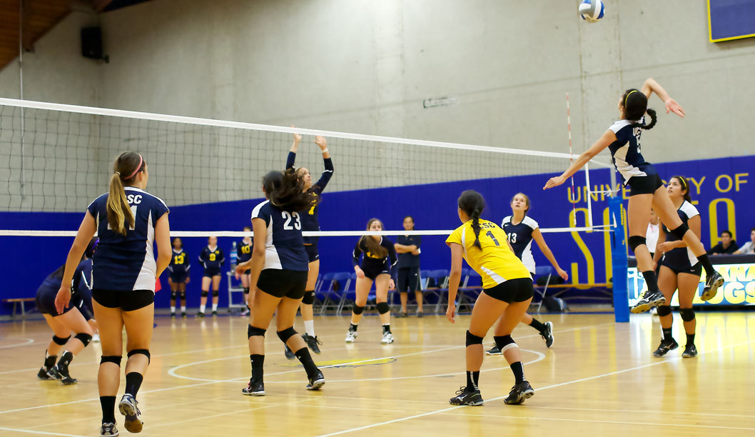 UCSC Women's Volleyball Sets Sight for Nationals