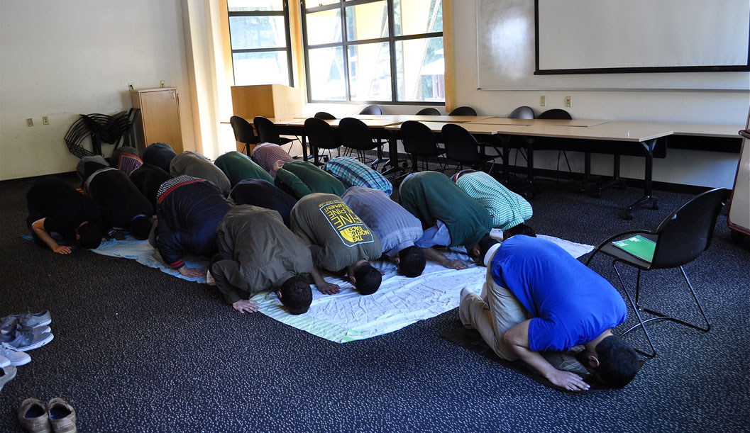 Prayer Connects Students, Community, Environment