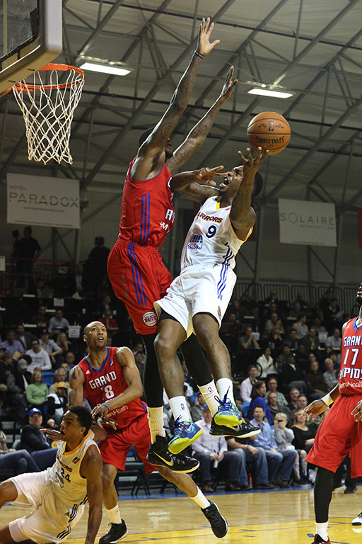 Sean Kilkpatrick of the Santa Cruz Warriors leaps for the basket during the Warriors 100-77 loss against the Grand Rapids Drive on Saturday. Photo by Stephen DeRopp.