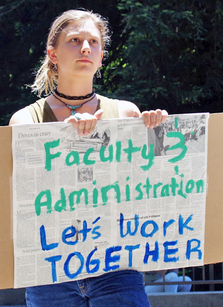 Members of the Journalism Now Committee protested the program cut by collecting petitions. Photo courtesy of Bradley Allen.
