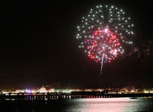 Fireworks exploded over the Santa Cruz wharf and boardwalk. The show lasted about half an hour and spectators lined up along Westcliff, on the boardwalk and even spots downtown. Photo by Stephen de Ropp