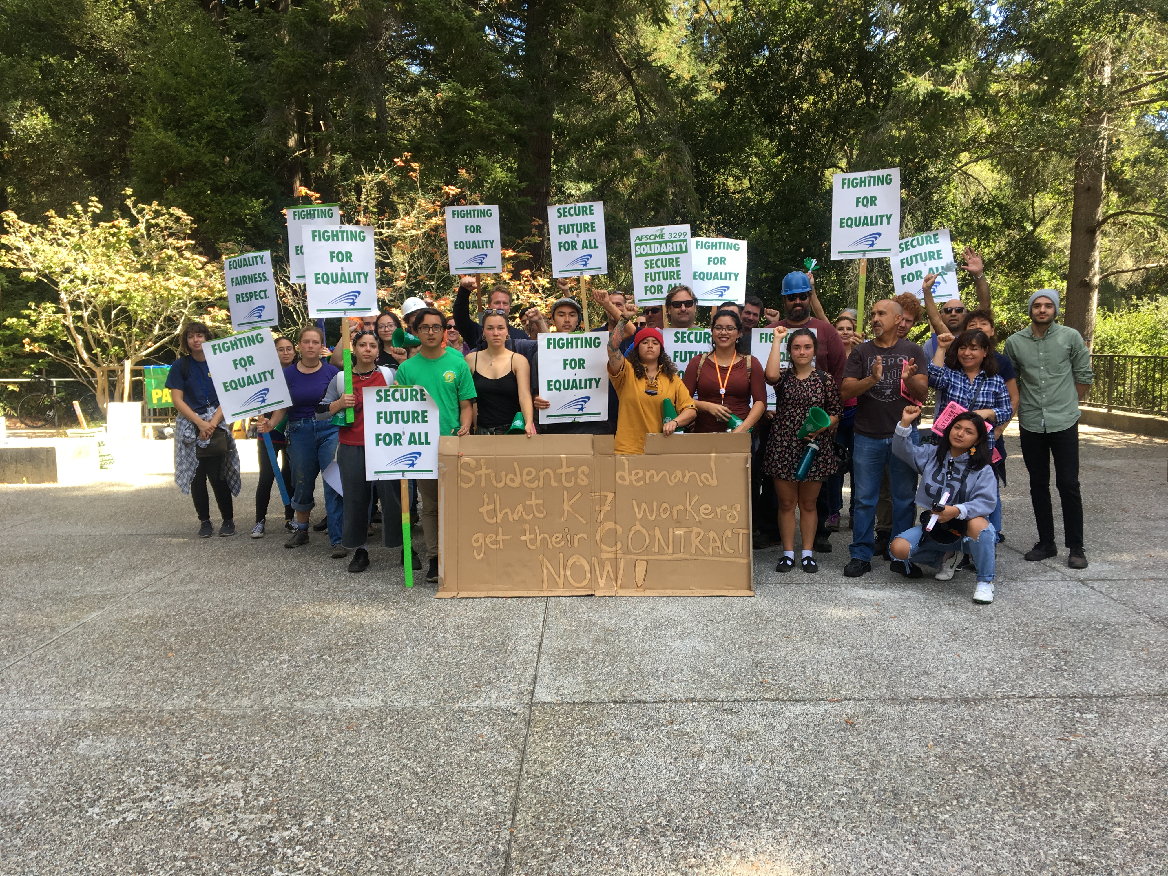 AFSCME Rallies On Campus
